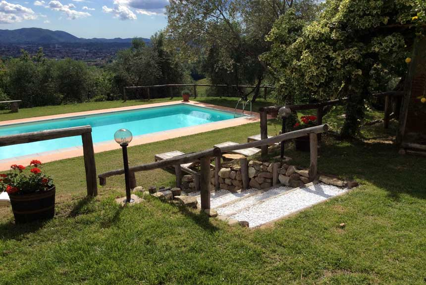 The pool garden casa collina verde tuscany vacation for Pool garden tulln 2016